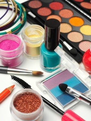 Free cosmetics, makeup and beauty samples from brand name companies freebies-coupons