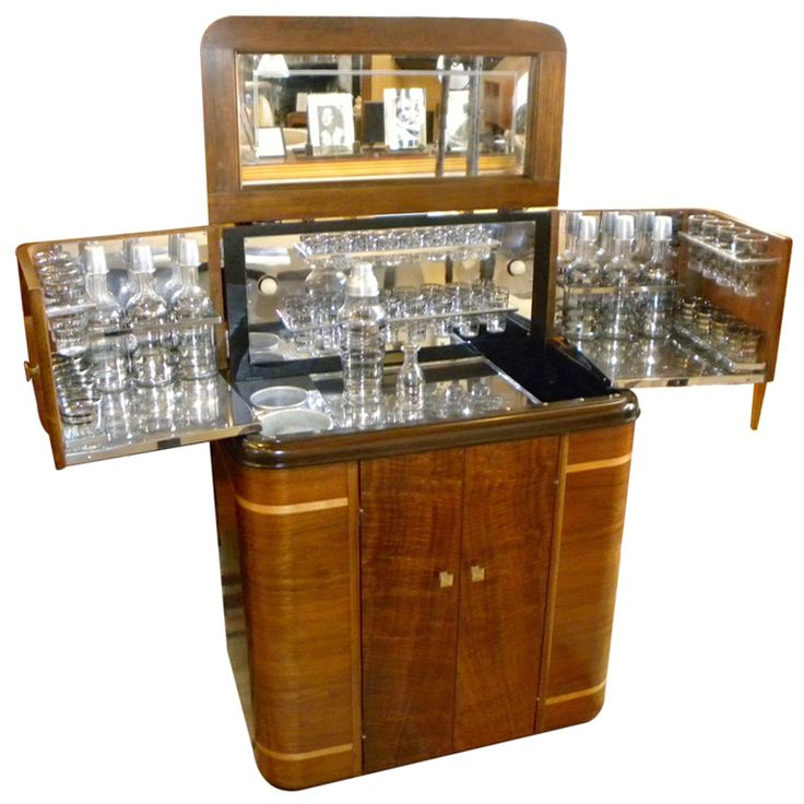 1930s American Art Deco Radio/Bar • RadioBar glasses complete (via @1stdibs)