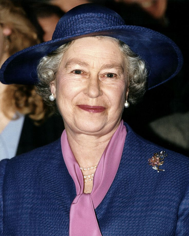1331 Best Images About The Queen 39 S Many Hat 39 S On Pinterest