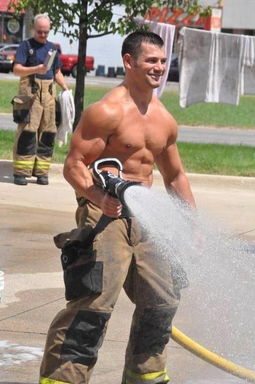 WickedGayBlog.com: Men at Work...