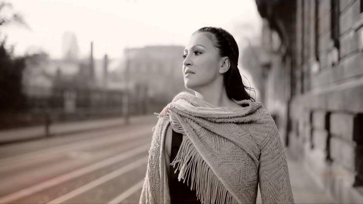 Nina Badrić & Mirza Šoljanin - Duše su se srele Official video
