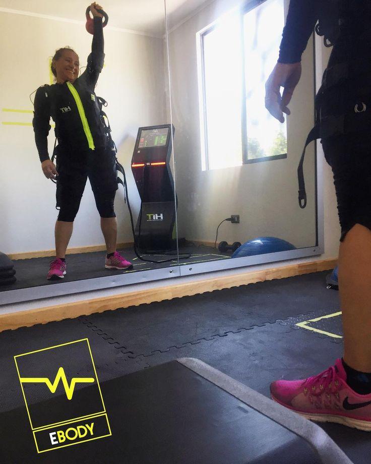 Miércoles activo y entusiasmados por cada sesión 20MIN NON STOP! Paola mejorando su rendimiento salud y fortaleciendo su cuerpo a partir de sus capacidades. Tu plan ANUAL y SEMESTRAL esperan por ti...aprovecha los grandes descuentos para comenzar un año con un staff 100% enfocado en ti y en tus necesidades. #ebody #ebodycdlv #ems #oferta #offer #descuentos #discount #electroestimulacion #ejercicio #belleza #estetica #entrenamiento #salud #motivacion #mujer #mujeres #hombre #verano…