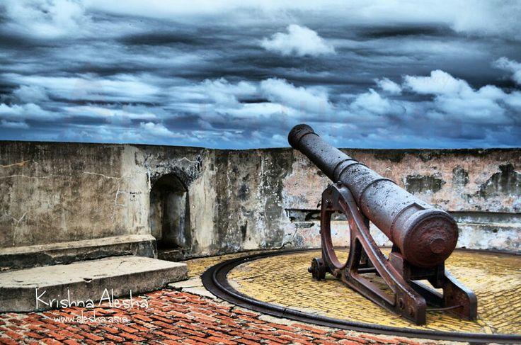 The Cannon of Fort Marlborough Bengkulu #Bengkulu #Bencoolen #Historical #Heritage #Alesha