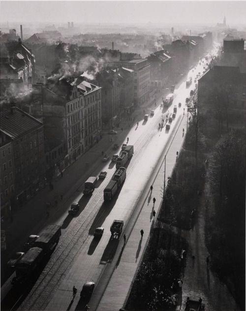 PETER KEETMAN - Street Scene, Munich - 1954 WOW