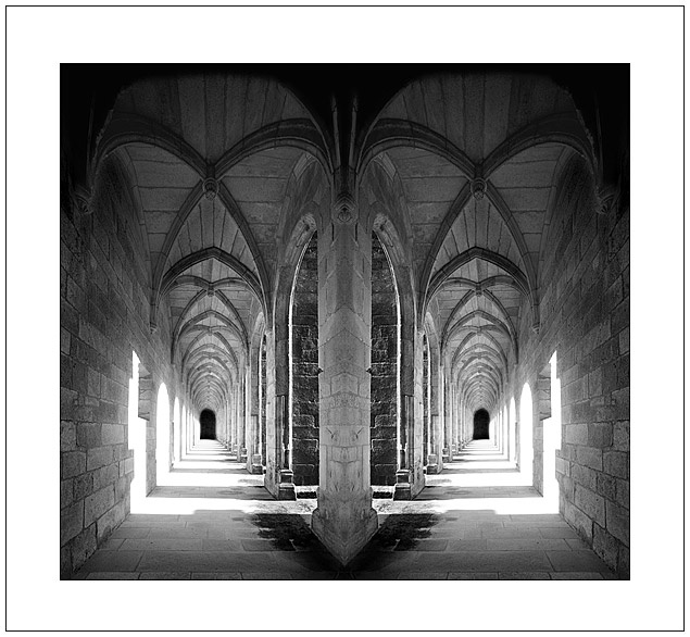 Monastery in Galicia, Spain  http://www.hayquesufrir.com/oseira_monastery.php
