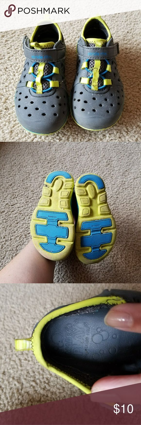 Stride Rite made2play phibian shoes Stride Rite made2play phibian shoes. Grey and yellow. Used but good condition. The size tag is worn, but I am 98% sure these are a toddler 7. Stride Rite Shoes