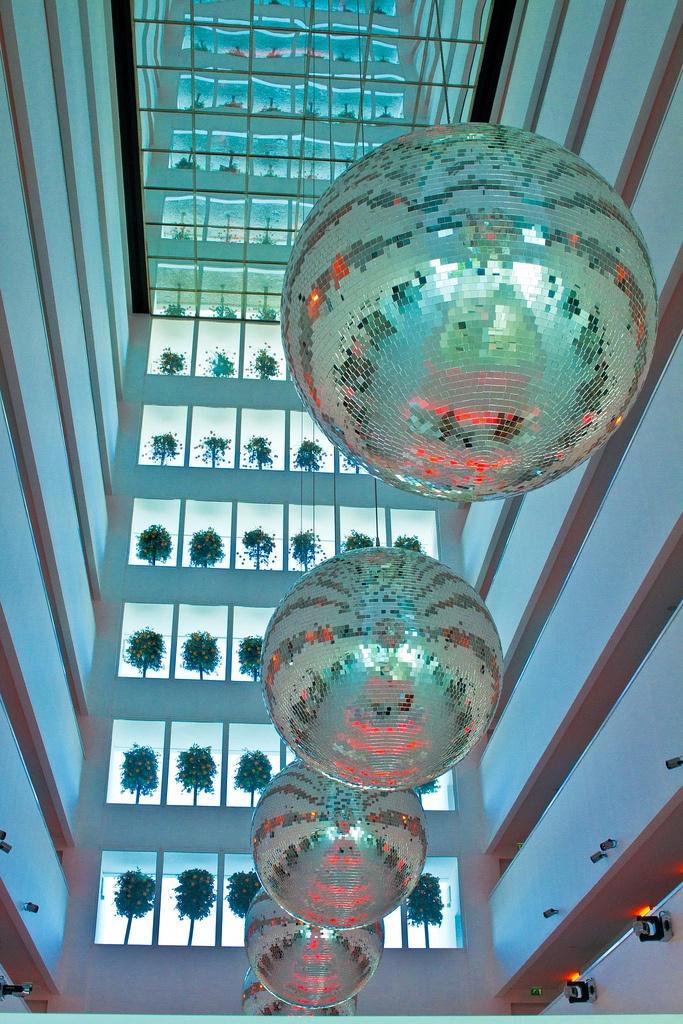 Hill Side SU Hotel in Antalya, Turkey - in the lobby 2 nachtjes overnacht. Wat opvalt is de kleur wit