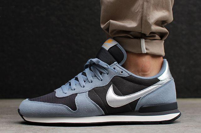 Nike Internationalist Leather (Magenta Grey/ Metallic Silver)