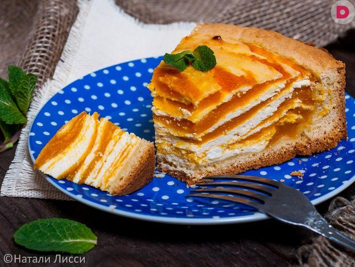 Нежный, легкий, в меру сладкий, с приятным ароматом сочной  тыквы – этот творожный пирог с мраморной начинкой затмит  даже самый изысканный торт!
