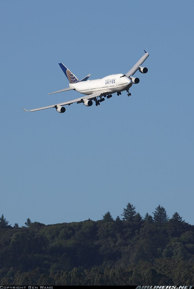 United Airlines N175UA Boeing 747-422 aircraft picture