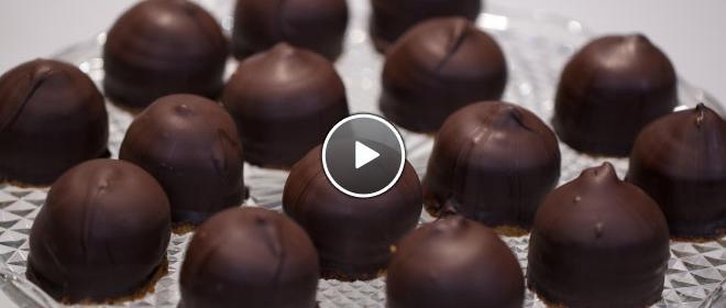 Ouderwetse negerzoenen: het koekje kun je ook vervangen door mini stroopwafels