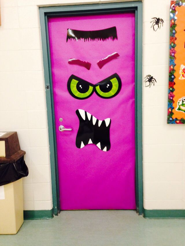Halloween theme door decoration