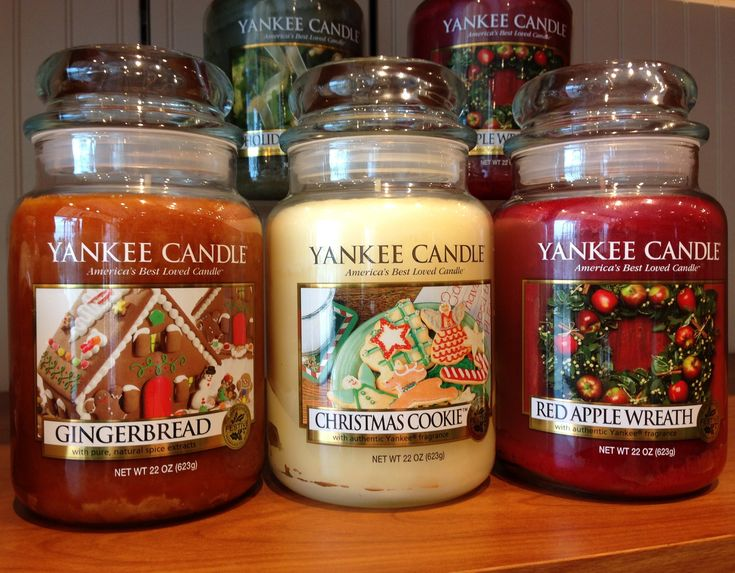 I'm a little obsessed with Yankee Candles at the moment - Christmas Candles!