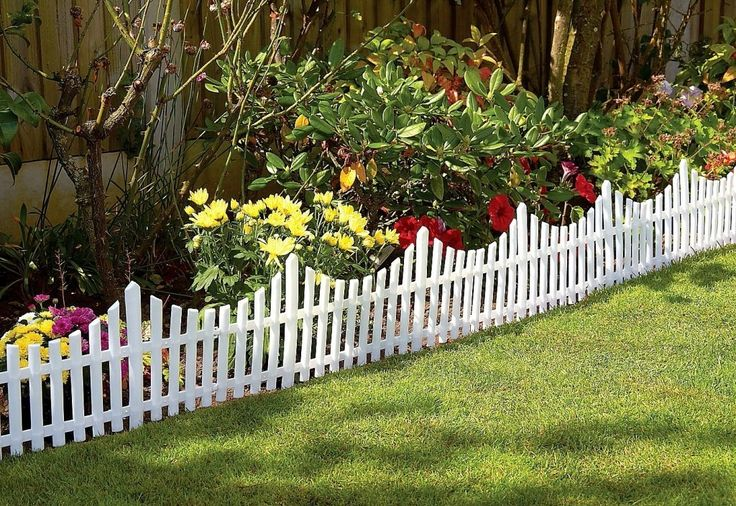 Great Ideas Set of 4 Mini White Garden Picket Fence Panels - Wood Effect Plastic Lawn Edging For Plant Borders And Flowerbeds: Amazon.co.uk:...