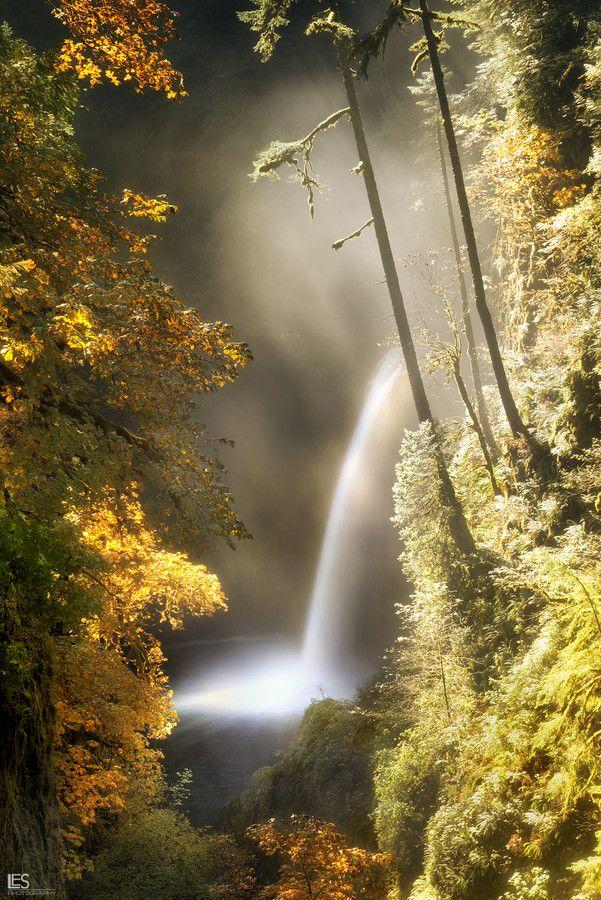 Metlako Falls, Oregon; photo by .Leif Erik Smith