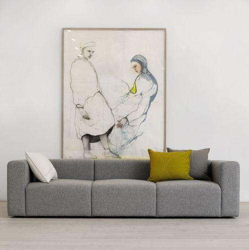 HAY`s Mags modulsofa gir deg sjansen for å skape din egen personlige sofa i morsomme farger, bredder og dybder. Ved å mixe lounge, chaiselounge, brede og smale moduler, kan du lage en sofa etter dine behov.Noe som gjør en sofa til en suksess, er ofte ting du ikke kan se, putefyll, kvalitet på stoff, søm osv. Alle disse tingene har fått topp prioritet når Hay har designet Mags sofaen. Høye armlener og dypt sete gjør Mags ideell for ...