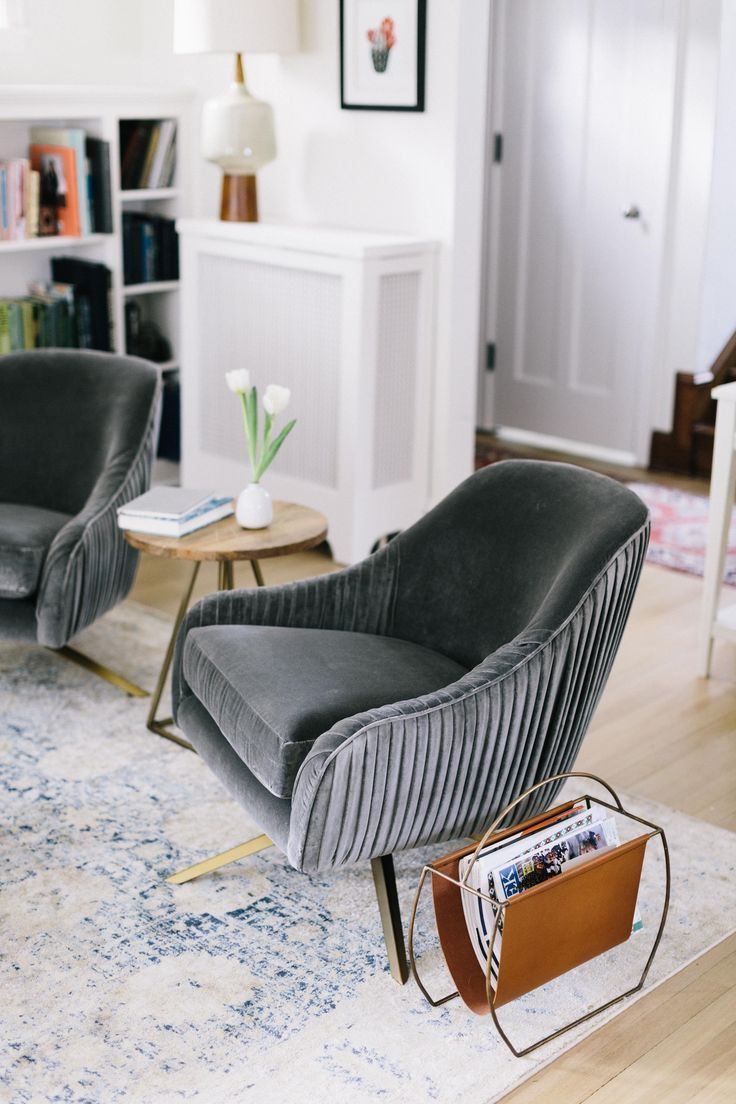 Mid Century Modern Living Room Style Is Born In The Period Between The 30 S And 70 S Of The Twentieth Century It F Swivel Chair Living Room Swivel Chair Chair
