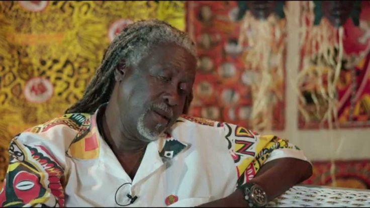 Ilê Aiyê - Do Axé Jitolú para o Mundo - (2014).  (#Cantar_e_Dançar), nas mãos do Velho-Menino – #WellingtonPará – é uma outra forma de aprender! É no ritmo da sonoridade Ancestral Africana que, Intuitivamente, brota o Compu(T)ambor no Meio do Coração & Movimenta os Saberes. O Ilê nos ensina como a Afrodescendência & a Ancestralidade Africana - (#Cantando_e_Dançando) – enfrentam o etnocentrismo-eurocêntrico e a didática castradora do senta-e-não-Canta-e-não-Dança.