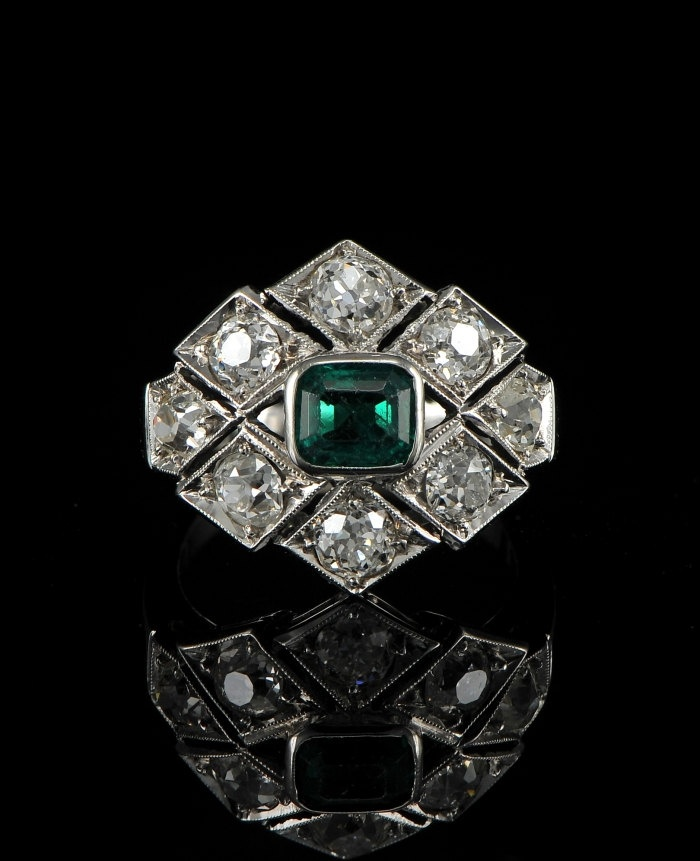 Stunning Art Deco .85ct Colombian emerald & 2.20ct old mine cut diamond ring. ca 1925.
