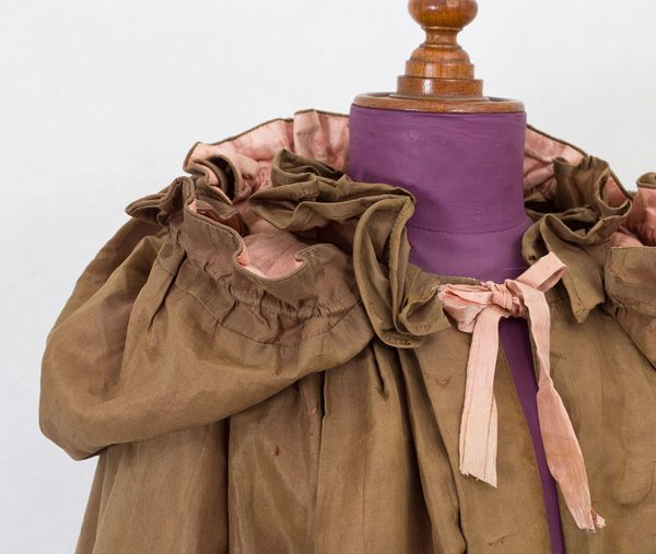 18th century Clothing at Vintage Textile: #1843 Colonial cloak