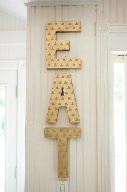 EAT Kitchen Sign | 27 Insanely Clever Crafts You Can Make With Cardboard