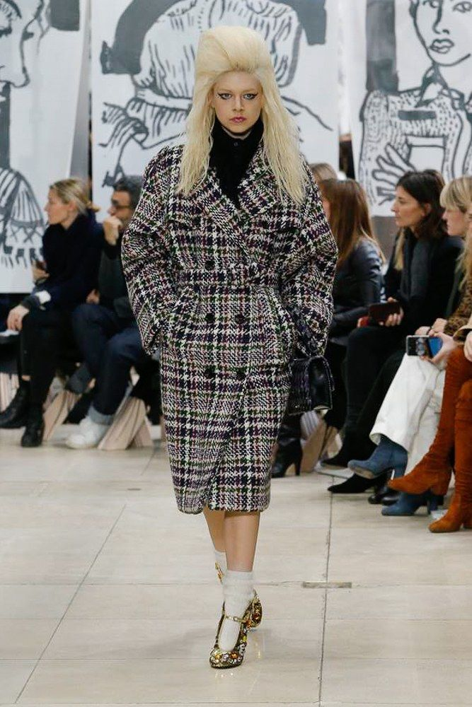 f8085a7527a6 The complete Miu Miu Fall 2018 Ready-to-Wear fashion show now on Vogue  Runway.