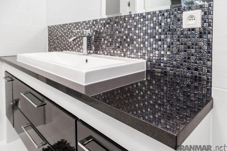 Kolejna realizacja z granitem Nero Assoluto tym razem #łazienka #blat