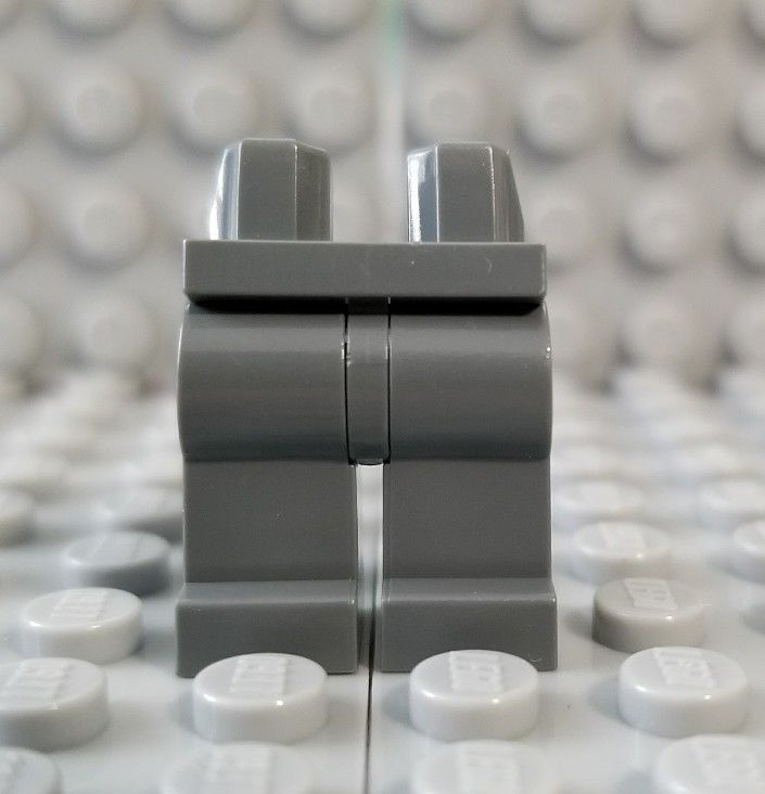 LEGO Dark Bluish Gray Pirates Skull Head with Pins