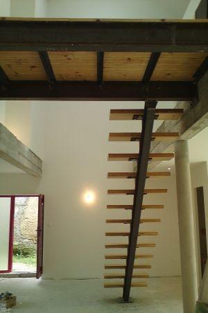 Escalier et passerelle structure acier IPN