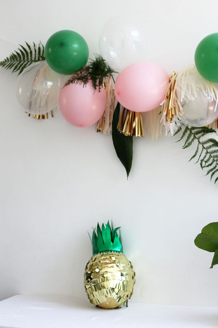 balloons,-ferns-and-tassels_pineapple-pinata