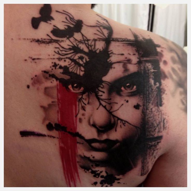 Crooked Moon Tattoo – Helsingborg