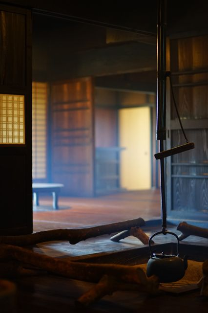 Japanese old farm house with open hearth 囲炉裏