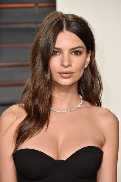 Emily Ratajkowski - Stunning Hairstyle Ideas from Brunette Celebrities  - Photos