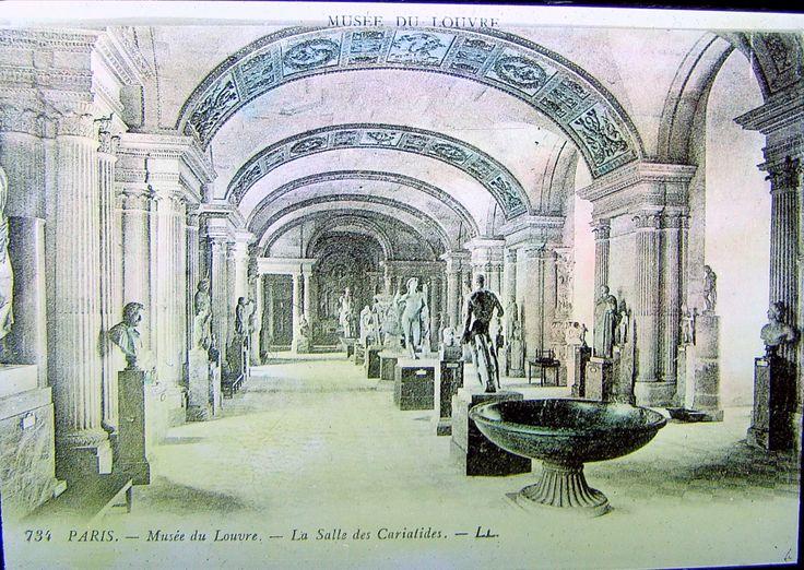 The Louvre - La salle des caryatides - Paris