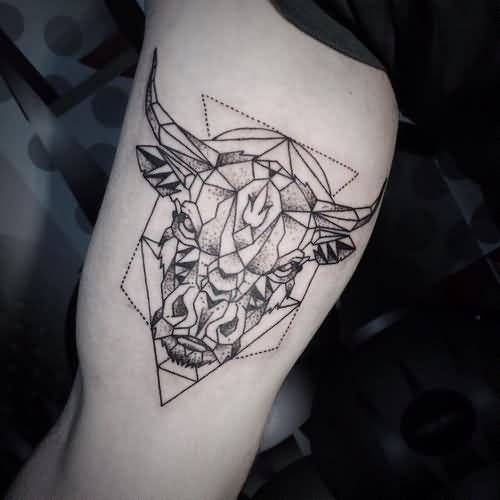 www.tattooshunter.com wp-content uploads 2016 07 Aggressive-Geometric-Angry-Bull-Face-Tattoo.jpg