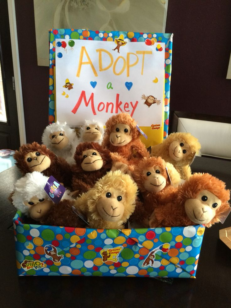 Best 25 curious george party ideas on pinterest for Monkey decorations