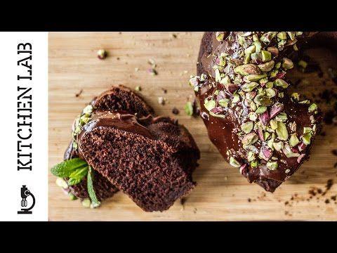 Κέικ με γιαούρτι και μαύρη μπύρα | Άκης Πετρετζίκης