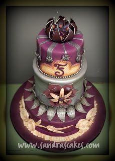 Pastel elegante #Cakes #Pasteles y #Cupcakes para #Bodas y #15Años #Fondant #wedding #quinceanera | DaVinci http://bit.ly/1v3zvMi