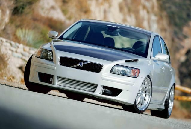 2004.5 Volvo S40 T5 AWD by ELEVATE | Elevate Cars