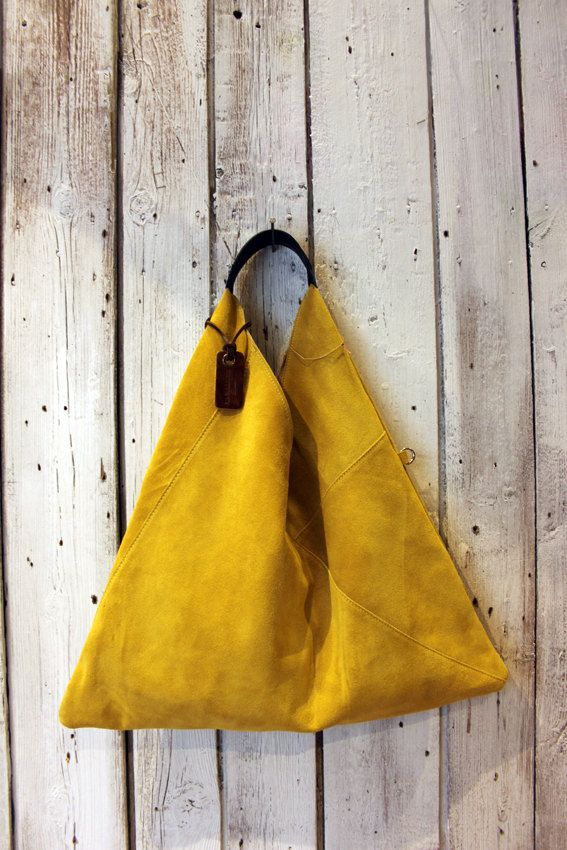 "Handmade Italian yellow Suede Leather Handbag ""TRIANGLE BAG"" di LaSellerieLimited su Etsy"