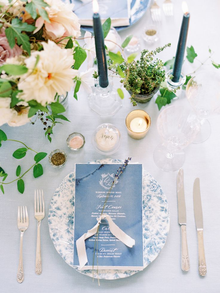 shades of blue place settings   Photography: Ryan Ray