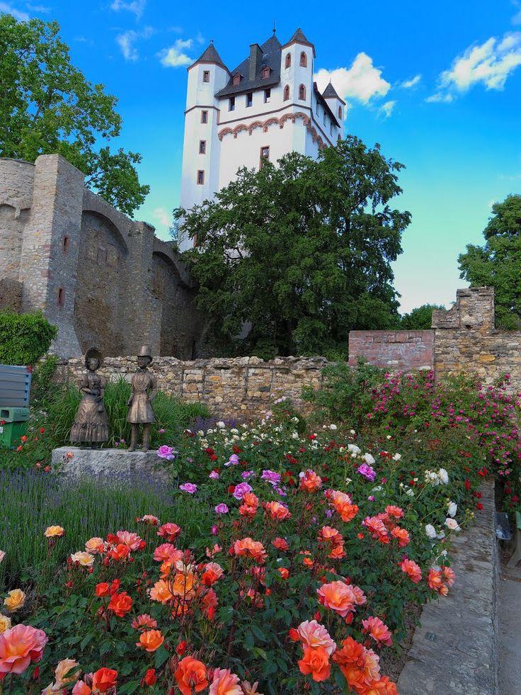 Kurfürstliche Burg Eltville am Rhein (circa 10 km onder Wiesbaden); in 1473 verbleef Gutenberg hier