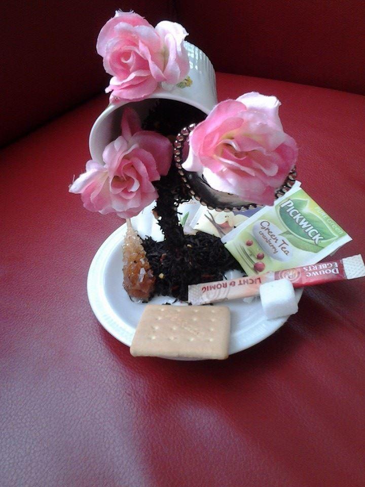 Steentjes, bloemen, theezakjes, koffiebonen, koekjes, vlindertjes...