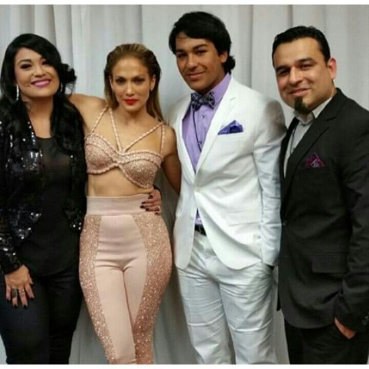 Jennifer Lopez's Selena Tribute performance 2015. Suzette Quintanilla Arriaga with her son Jovan and husband Billy.