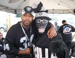 #NFL #Raiders   Philadelphia Black Hole Chapters