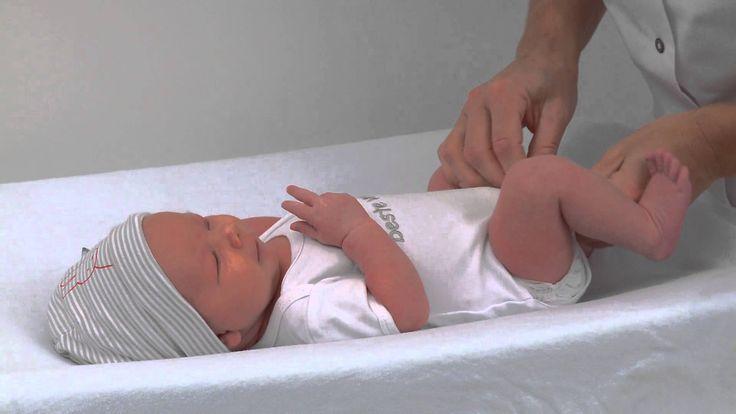 naviva kraamzorg aankleden bij badje bc mama en de baby pinterest babies. Black Bedroom Furniture Sets. Home Design Ideas