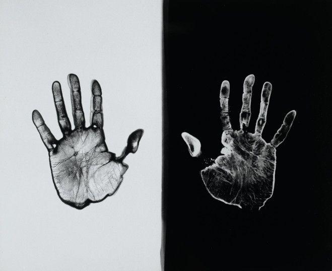 Ugo Mulas, (Vérification 7, Le laboratoire. Une main développe, l'autre fixe. À sir John Frederick William Herschel), 1972