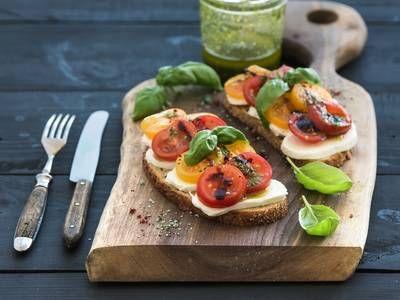 mozzarella tomato sandwich more sandwiches mozzarella tomatoes tomato ...