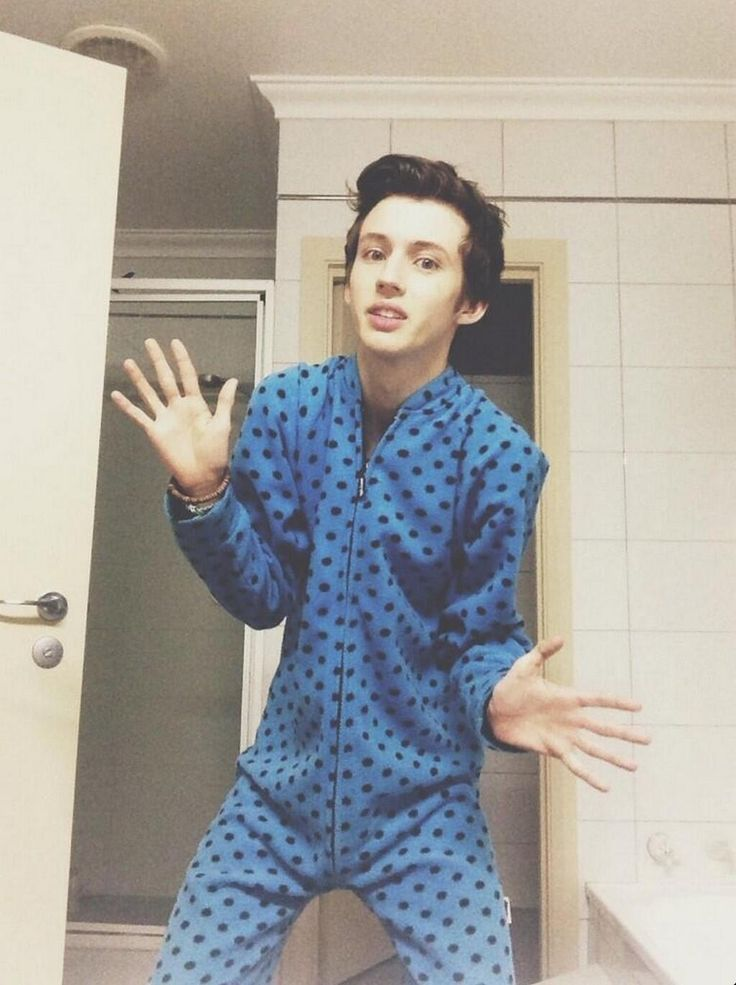 Troye Sivan, Everybody! My Immediate reaction was to take a pic of this