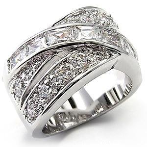 Pretty Jewelry Candle ring. #JewelryCandles #jewelry